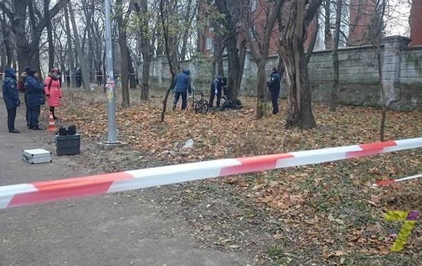 В центральном парке Одессы нашли обгоревшее тело