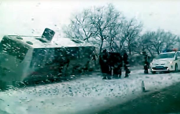 ВХМАО автобус сдетьми столкнулся с грузовым автомобилем, погибли 12 человек