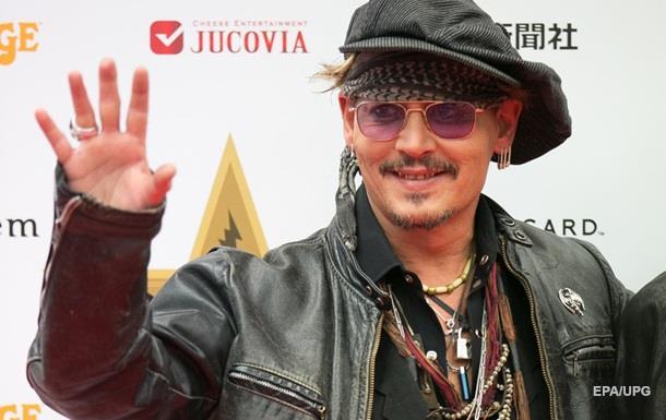 Джонни Депп во 2-ой раз подряд возглавил рейтинг самых переоцененных актеров