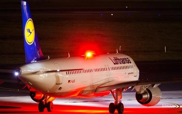 Рейс Lufthansa экстренно сел в Нью-Йорке