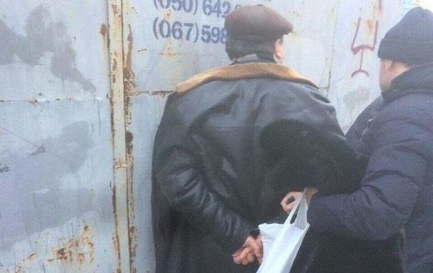 Ректор одного изкиевских институтов схвачен при получении взятки от прежнего студента