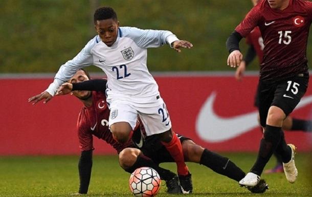 13-летний Карамоко Дембеле дебютировал еще и за Англию