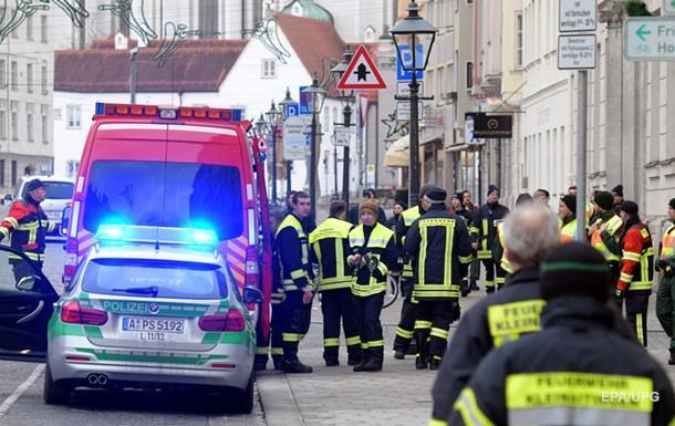 В германском Аугсбурге эвакуируют более 50-ти тыс. человек из-за бомбы