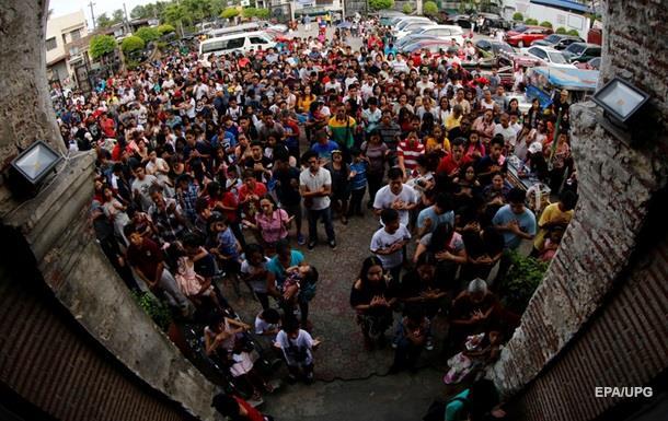 Супертайфун надвигается наФилиппины наРождество