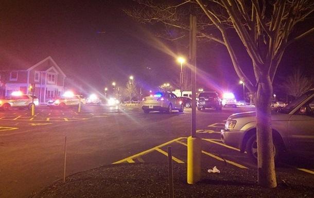AP: два человека погибли при стрельбе после концерта рэпера вСША