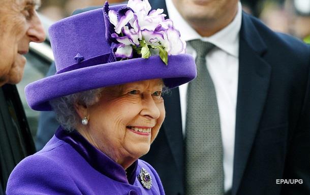 Королева Англии пропустит новогоднюю службу вцеркви