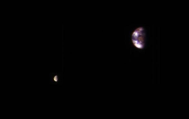 Ученые показали, как выглядит Земля иЛуна смарсианской орбиты