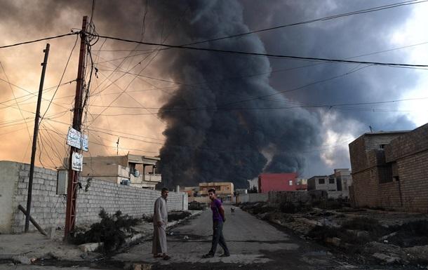 В Мосуле ИГ взрывает правительственные здания