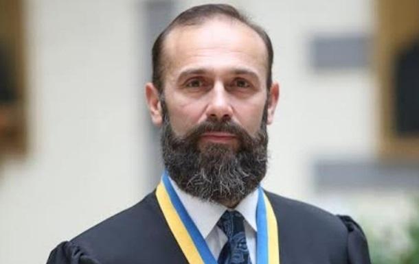 Судью Емельянова отстранили отдолжности