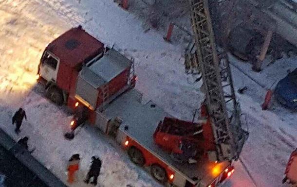 ВДнепре cотрудники экстренных служб эвакуировали граждан горящего дома