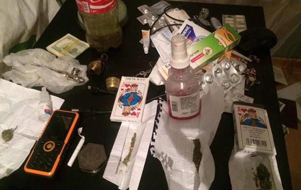 Наркотики от прокурора