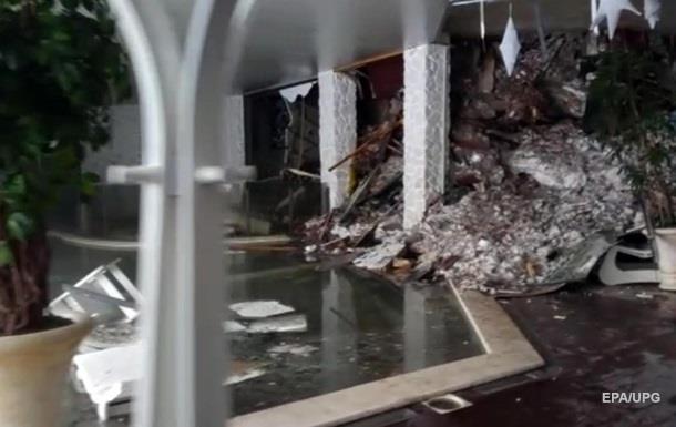 Впопавшем под лавину итальянском отеле отыскали выживших
