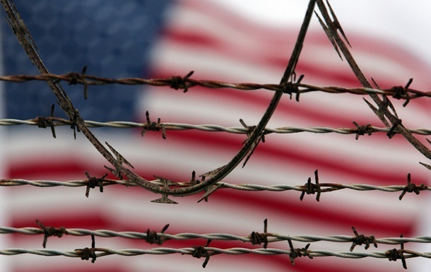 Обама обвинил съезд США всоздании помех напути закрытия тюрьмы Гуантанамо