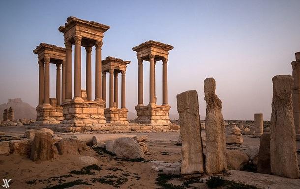 Песков назвал катастрофой разрушение монументов вПальмире