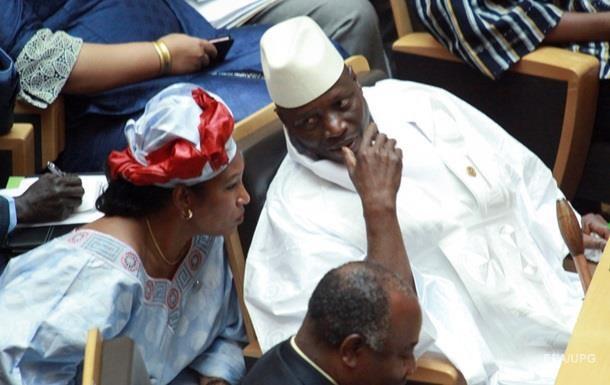 Прежний президент Гамбии улетел изстраны внеизвестном направлении