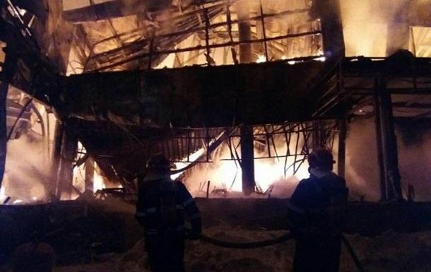 Около 40 человек пострадали впроцессе пожара вночном клубе Бухареста