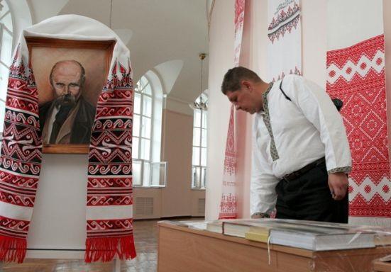 Рада хоче зробити українську мову обов'язковою