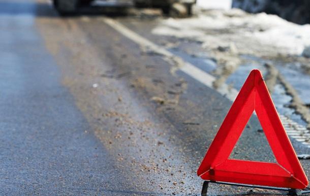Машину военных разорвало пополам вМариуполе: необошлось без жертв