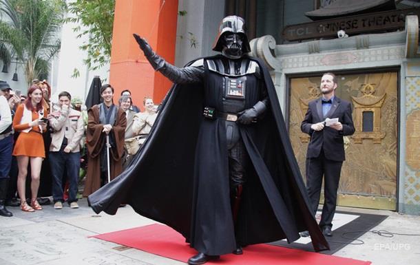 Новые Звездные войны заработали $  1 млрд в прокате