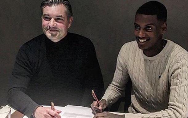 17-летний форвард АИК Исак подписал договор сдортмундской «Боруссией»