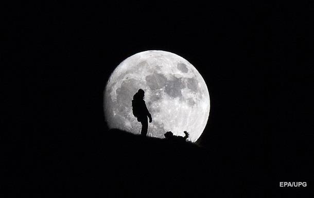 Ученые рассказали, когда столкнутся Луна и Земля