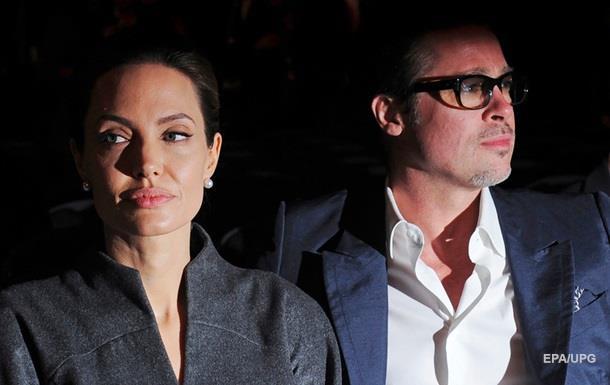 Джоли потребовала от Питта $  100 тысяч ежемесячно