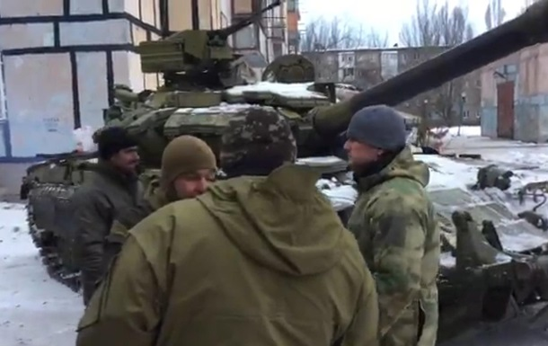 ВСУ скрывают танки вАвдеевке под носом ОБСЕ