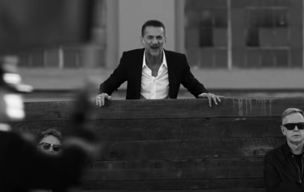 Depeche Mode показала новий  революційний  кліп