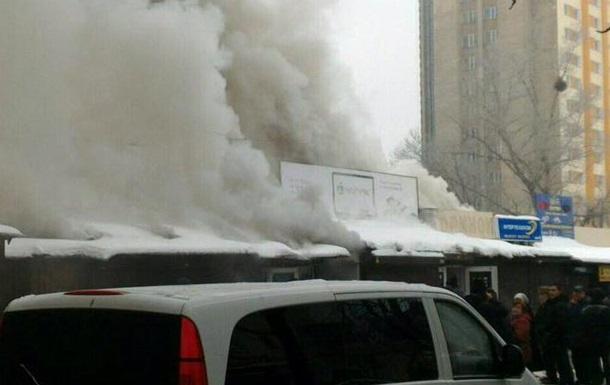 Пожар вКиеве: полыхает радиорынок
