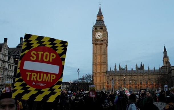 В Британии тысячи протестовали против визита Трампа