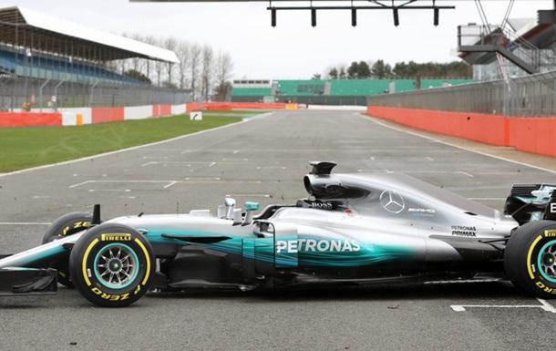 В Mercedes представили новый болид Ф-1