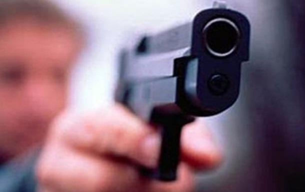 ВоЛьвове недовольный мужчина обстрелял роддом