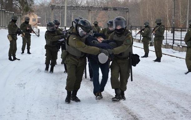 Блокада: Аваков просит полномочия на разгон