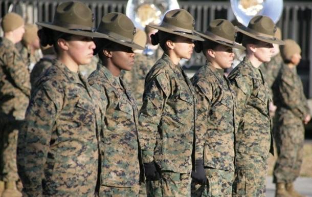 Скандал в Пентагоне: в Сеть попали фото голых женщин-морпехов