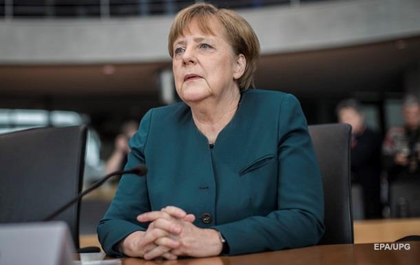 Меркель сообщила, что оскандале с VW узнала изСМИ