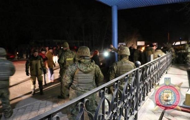 Под Славянском Парасюку пустили вглаза слезоточивый газ