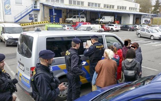 Чехия объявила одепортации группы незаконных рабочих из Украинского государства