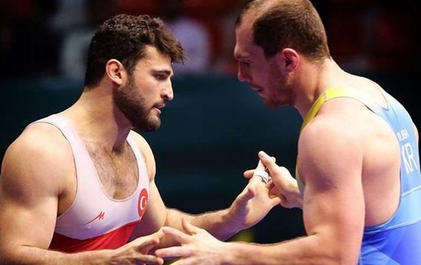 Україна стала шостою на Кубку світу з греко-римської боротьби