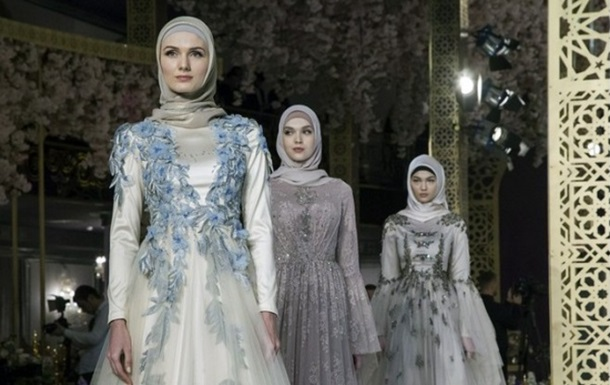 Дочка Кадирова влаштувала показ мусульманського одягу