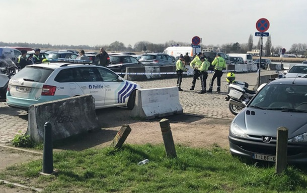Милиция задержала пытавшегося въехать втолпу водителя— Бельгия