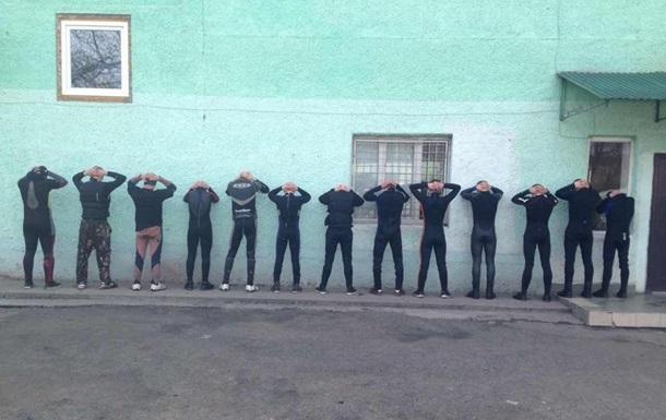 Пограничники задержали 14 контрабандистов в гидрокостюмах