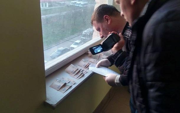 Навзятке словили обвинителя Львовской здешней прокуратуры