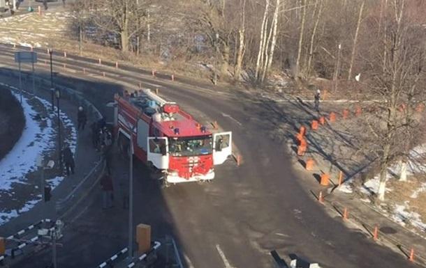 Уаэропорта Домодедово пожарная машина сбила пешеходов, одного насмерть