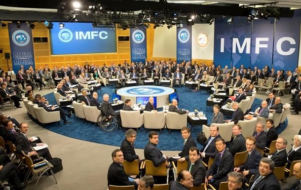 МВФ: Ждем продажу земель и пенсионную реформу