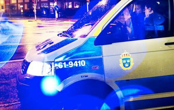 ВШвеции около 30 человек вмасках забросало полицию коктейлями Молотова