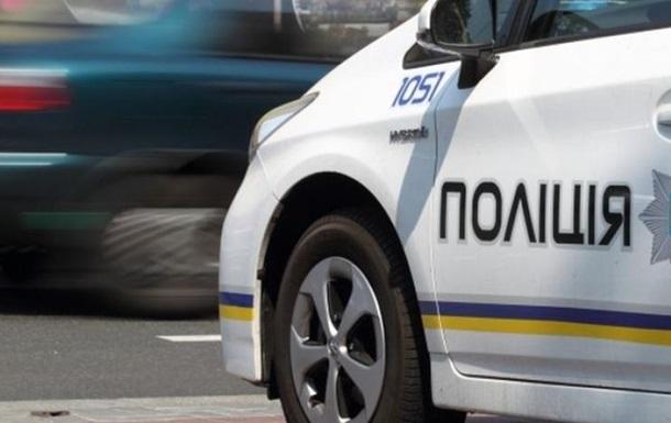 НаКиевщине полицейский автомобиль сбил дедушку навелосипеде
