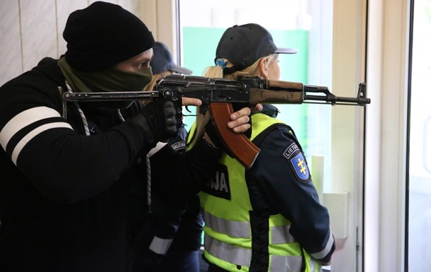 В Литве прошли учения против вторжения  зеленых человечков