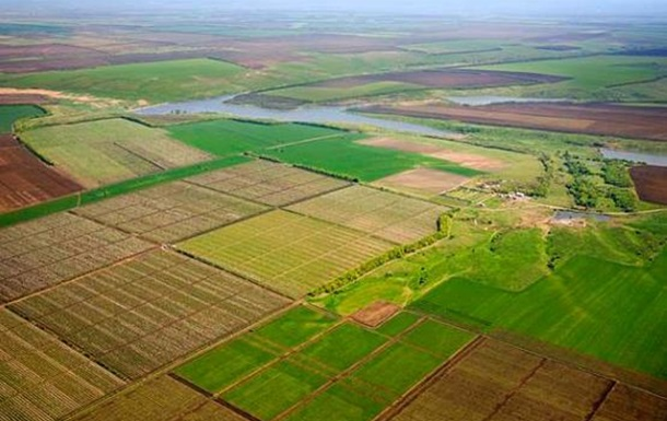 Земельная реформа позволит выбраться селянам из нищеты