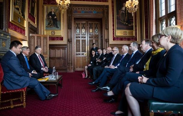 Порошенко призвал Британию упростить визовый режим