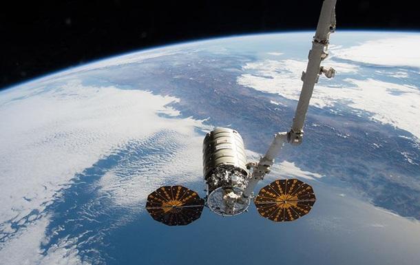 Космический фургон Cygnus состыковался сМКС